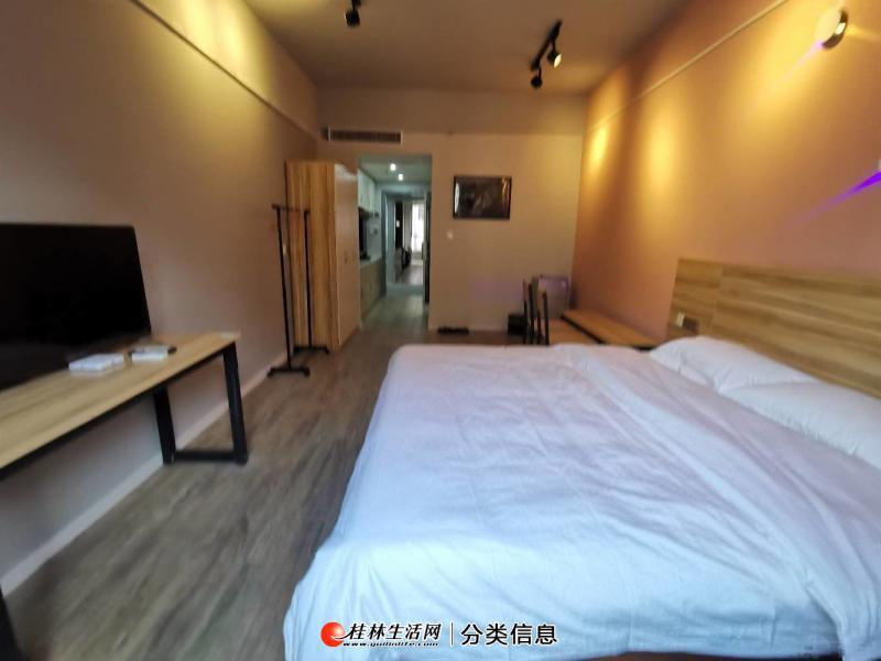 东安街酒店公寓电梯1房拎包入住1600元月