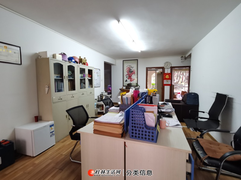 彰泰兰乔圣菲 复式楼上下 230平出租 4300高端小区