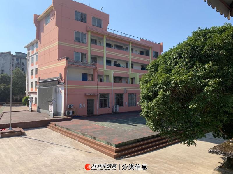 七星区龙隐小学宿舍二楼二房一厅使用70平方,校内环境优美
