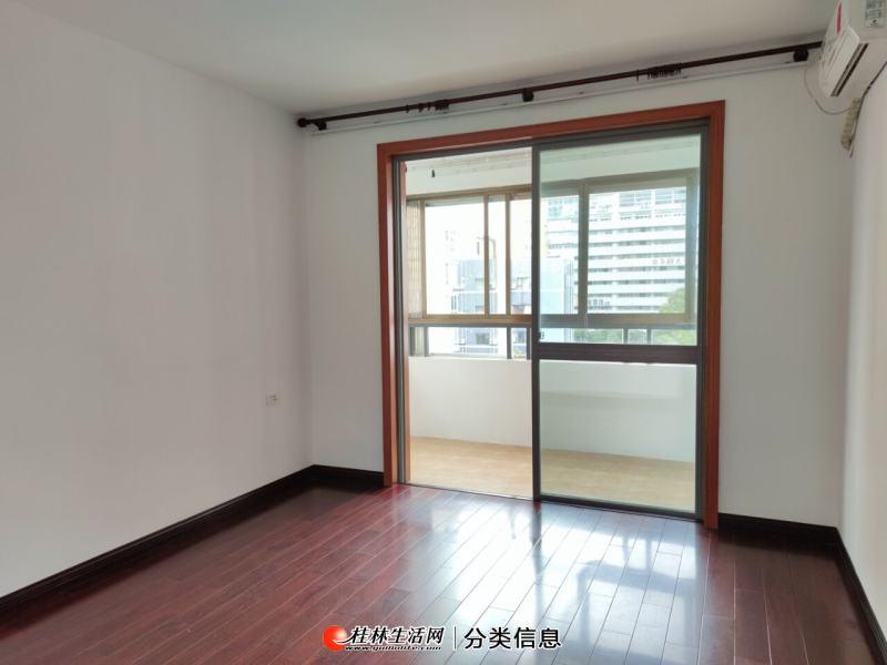 龙隐学区,鑫海国际二房二厅电梯7楼,产权91平方送阳台8平方,95万