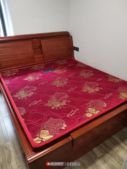 九成新冬夏两用全实木床不含床垫原价3600