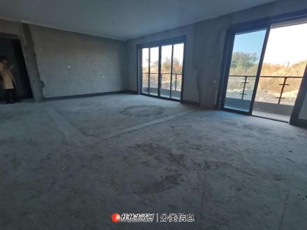 叠彩区万达旁 碧桂园漓江公馆 超大两层复式 实用面积206平