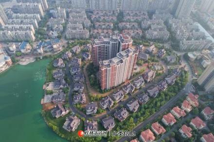 市政府两江四湖旁实得价格4000多一平双拼独栋别墅