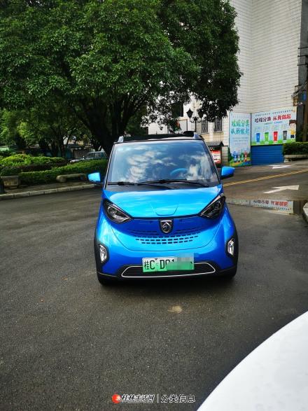 桂林市自用一手私家车宝骏E100