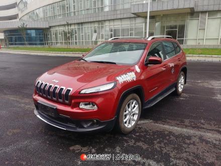 桂林一手Jeep 自由光,2016款 2.4L优越版,2017年2月上牌